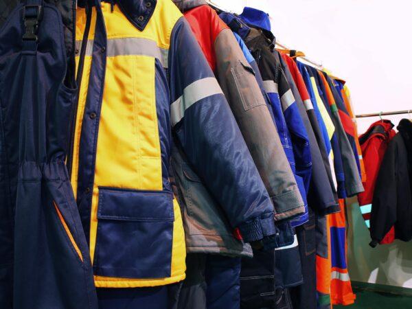 Księgowanie zakupu odzieży roboczej – jakie są przepisy